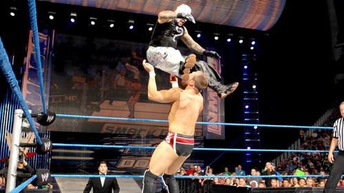 Fatal 4 Way No.1 contender match