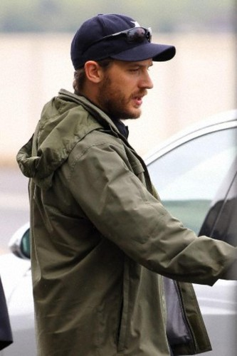 Heathrow 16.7.12 - tom-hardy Photo