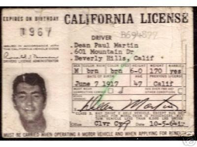 Dean Martin 壁紙 probably with a newspaper called His license