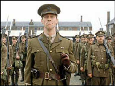 hugh laurie wallpaper with a green beret, fadigas, fadiga, and vestido de batalha called Hugh Laurie- Blackadder