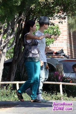 JB and Selena- 4th Augus 2012  - justin-bieber Photo
