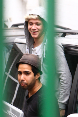 JUL 31ST - OUTSIDE A RECORDING STUDIO, लंडन