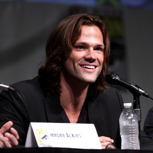 Jared Padalecki wallpaper probably containing a concerto and a business suit entitled Jared Padalecki
