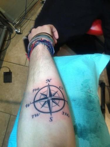 어치, 제이 McGuiness Tattoo