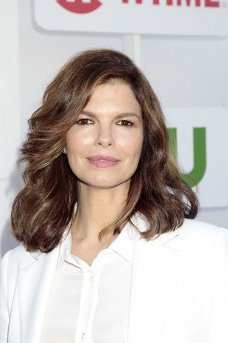 Criminal Minds wallpaper containing a portrait called Jeanne Tripplehorn