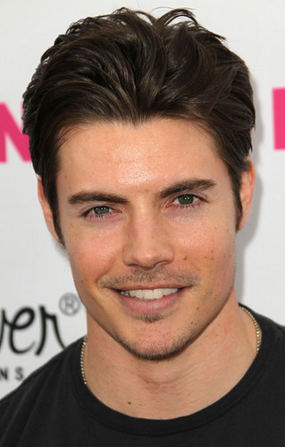 Josh Henderson wallpaper containing a portrait entitled Josh Henderson