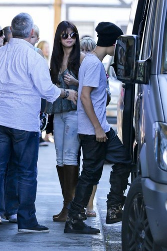 Justin Bieber and Selena Gomez's family get together in LA , 2012