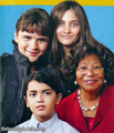 Katherine Jackson & The Jackson Kids - michael-jackson photo