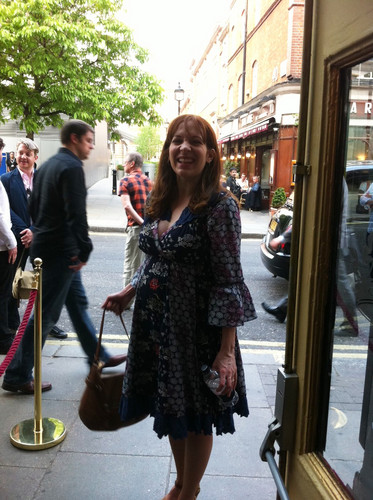 Katherine Parkison fond d'écran probably with a rue entitled Katherine Parkinson May 2012