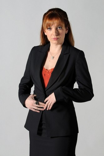 Katherine Parkison fond d'écran probably with a well dressed person and a business suit entitled Katherine as Jen Barber in The IT Crowd