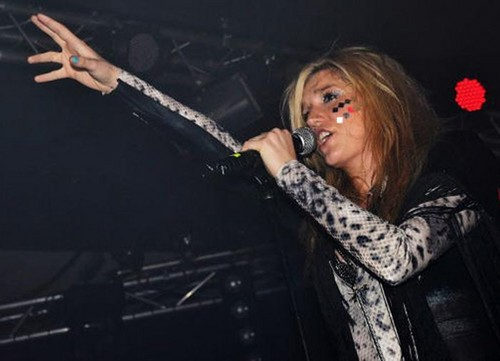 Ke$ha in concerto