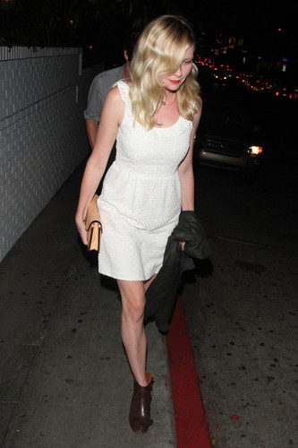 Kirsten Dunst at महल, शताब्दी, chateau Marmont in West Hollywood [August 2, 2012]