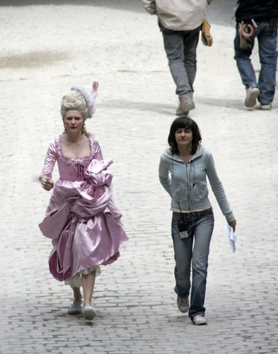 "Kirsten behind the scenes of ""Marie Antoinette"""