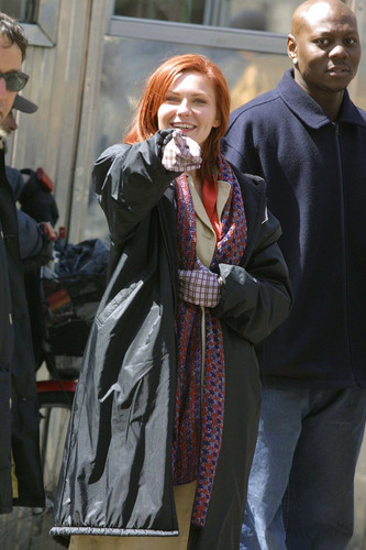 "Kirsten Dunst wallpaper possibly containing a business suit titled Kirsten behind the scenes of ""Spider-Man"""