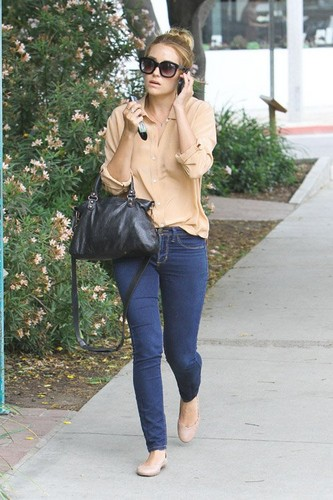 Lauren Conrad leaving Madison store in West Hollywood - lauren-conrad Photo
