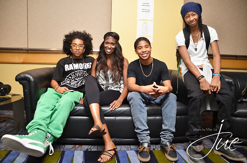 Looks like Prince & rayon, ray got big feet , if toi know what I mean lol.JK…