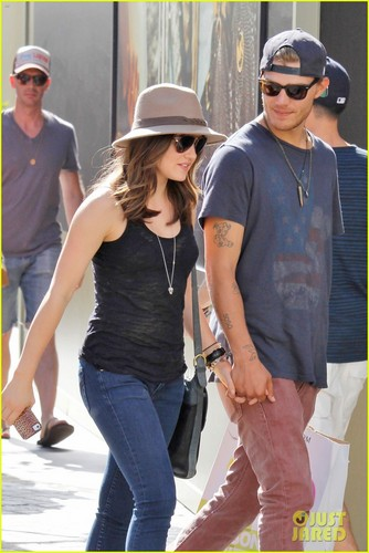 Lucy Hale 壁纸 possibly containing a hip boot titled Lucy & Chris at The Grove