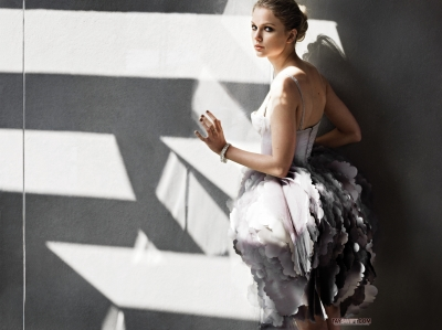 Taylor pantas, pantas, swift kertas dinding possibly containing a makan malam, majlis makan malam dress titled Marie Claire Photoshoot
