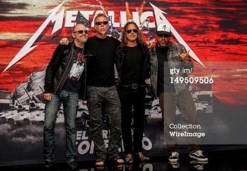 metallica Celebrates 30 Years Of Career