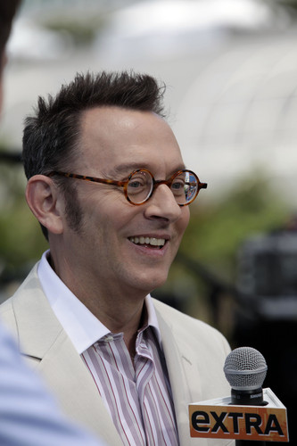 Michael Emerson wallpaper with a business suit entitled Michael Emerson || Comic-Con + Extra Stage