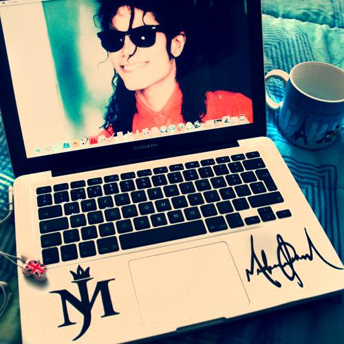 Michael Jackson Laptop :)