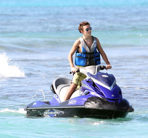 Nathan Sykes Jetskiing at Sandy Lane समुद्र तट in Barbados