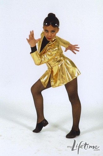 Dance Moms wallpaper titled Nia- Dance picture (Private Eyes)