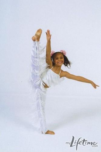 Nia- Dance picture