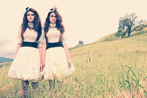 Nikita and Jade चित्र shoot 2