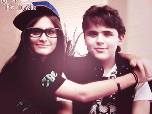 Prince Michael Jackson achtergrond called Paris Jackson and her brother Prince Jackson