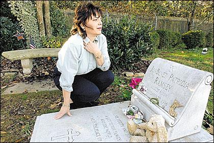 Patsy Ramsey at JonBenet's Grave