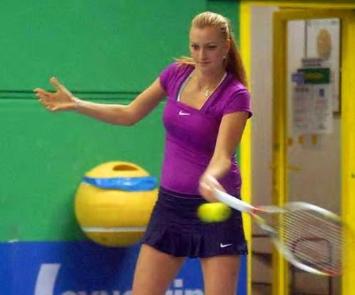 Petra Kvitova : straight hair suits her zaidi !