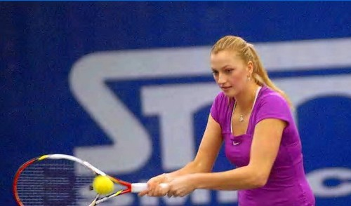 Petra Kvitova : straight hair suits her meer !