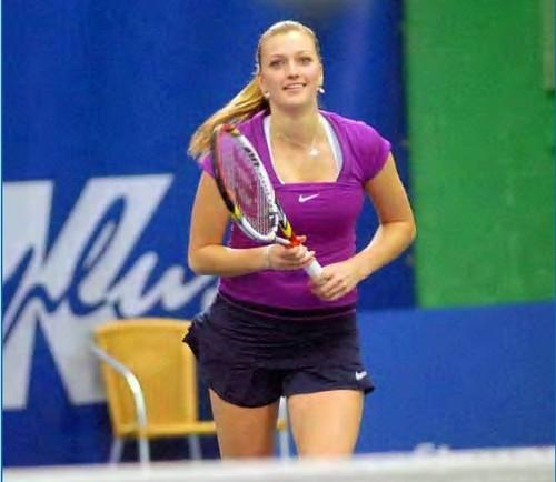 Petra Kvitova : straight hair bumagay her madami !