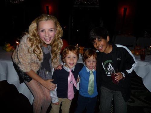 Peyton & Những người bạn