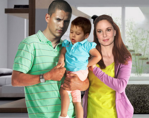 casais de televisão wallpaper probably containing a playsuit, a leisure wear, and an outerwear titled Prison Break - Michael, Sara, MJ