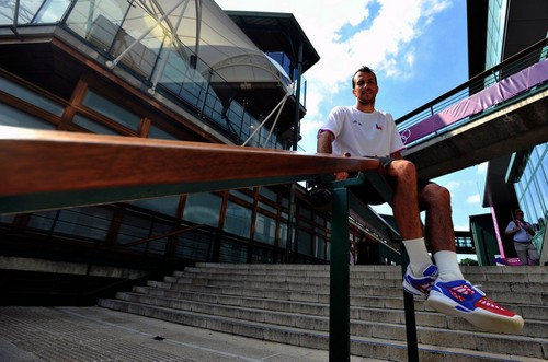 Radek Stepanek has huge feet !