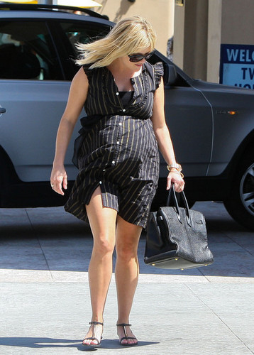 Reese Witherspoon Leaving The Bouchon Restaurant [July 25, 2012]