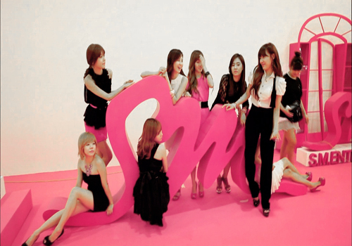 SNSD at SMtown exibition