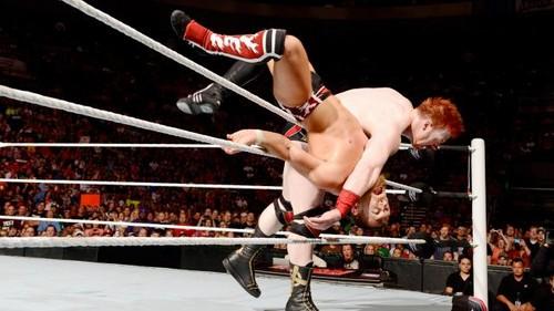 রাস্তা Fight! Sheamus vs Bryan