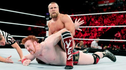 سٹریٹ, گلی Fight!!!! Sheamus vs Bryan