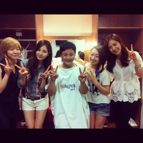 Sunny, Seohyun & Yuri @ Hairspray musical Backstage
