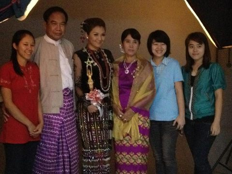 Thet Mon Myint wallpaper titled TMM with her family at Academy ceremony