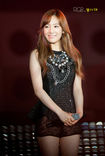 Taeyeon @ 2012 Yeosu World Expo Pop Festival