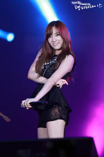 Taeyeon @ 2012 Yeosu World Expo Pop Festival