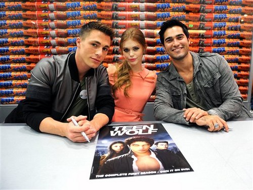 "Teen Wolf"" Booth Signing"