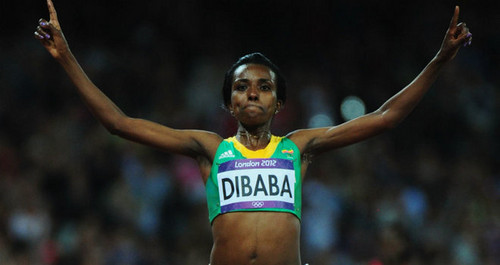 Tirunesh Dibaba of Ethiopa wins goud in women's 10,000-meter race