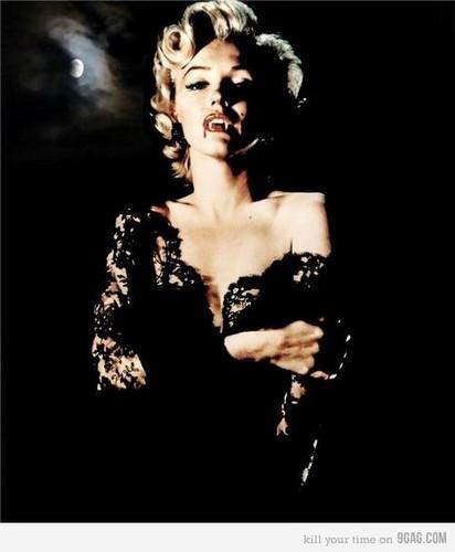 Vampire Marilyn