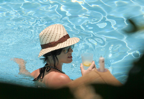 Katy Perry images Wearing A Bikini At A Hotel Pool In Miami [26 July 2012] HD wallpaper and background photos