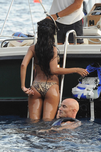Wearing A Bikini On Vacation In Italy [28 July 2012]